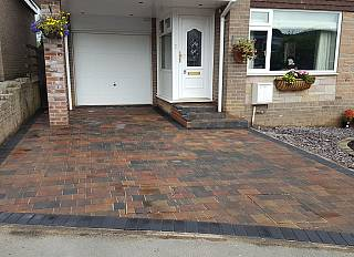 driveway3/paving-driveways-and-tarmac-north-east-0002_1521296586.jpg