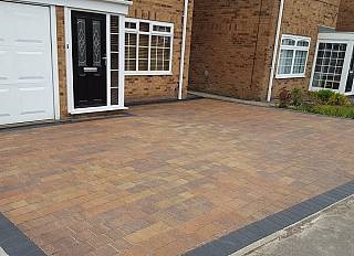 driveway1/paving-driveways-and-tarmac-north-east-0003_1521296406.jpg